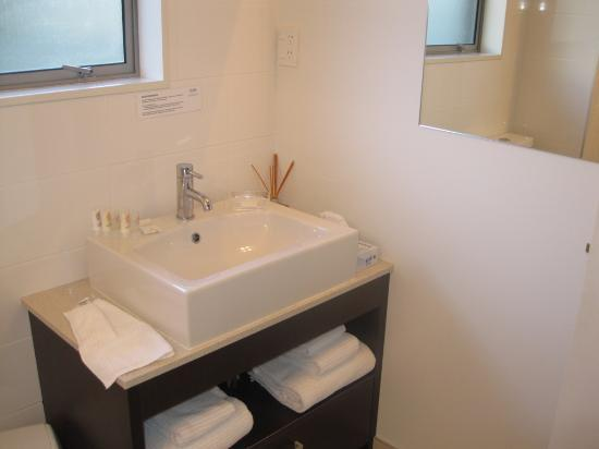 Sea Spray Suites - Heritage Collection: Bathroom 2