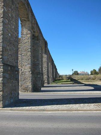 Aqueduto de Água de Prata