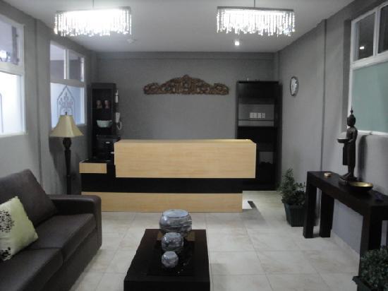 Hotel Gardenias: Reception