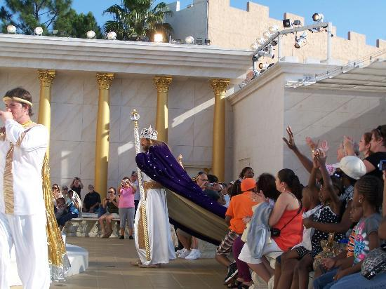 "Holy Land Experience: ""Jesus"" arriving to the Temple"