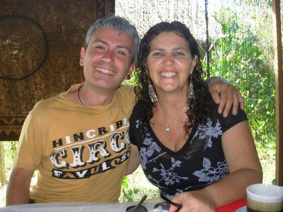 Ecoaldea Kapievi: Cesar y Pieri, anfitriones