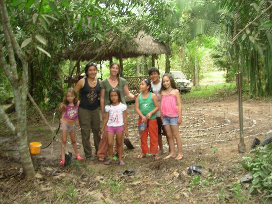 Ecoaldea Kapievi: Jugando con los Niños, laberinto