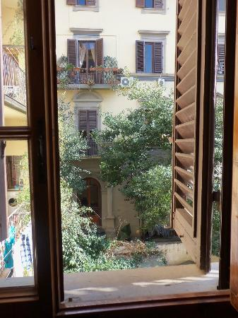 Hotel Cimabue : View from our room