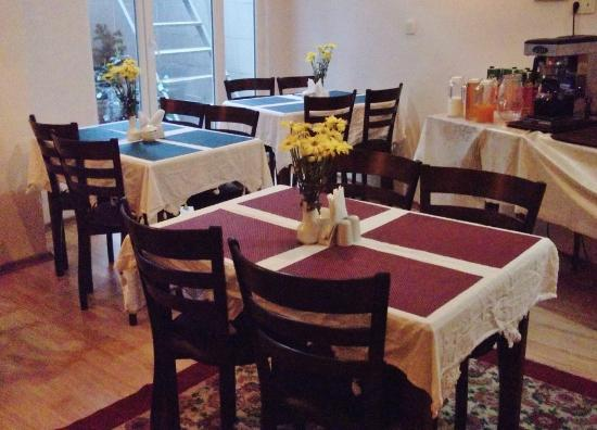 Basileus Hotel: Breakfast room