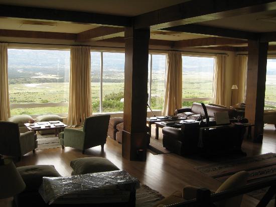 EOLO - Patagonia's Spirit - Relais & Chateaux: Lobby lounge area