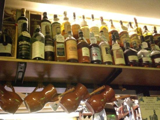 Restaurante Sanabres : whiskys y ginebras de todo el mundo