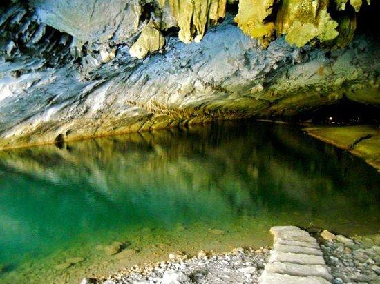 Kong Lor Cave: Kong Lo Cave Entrance