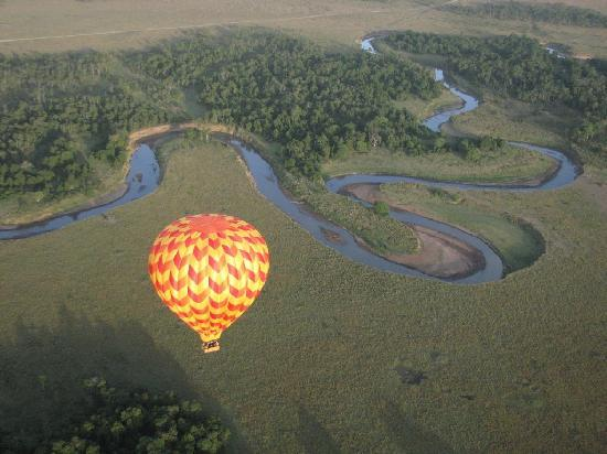 Lion Trails Safaris - Day Tours: Balloon Safari ride in Maasai Mara Game Reserve