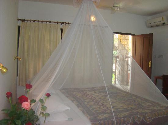 Dr. Franklin's Panchakarma Institute and Ayurveda Centre: Room inside