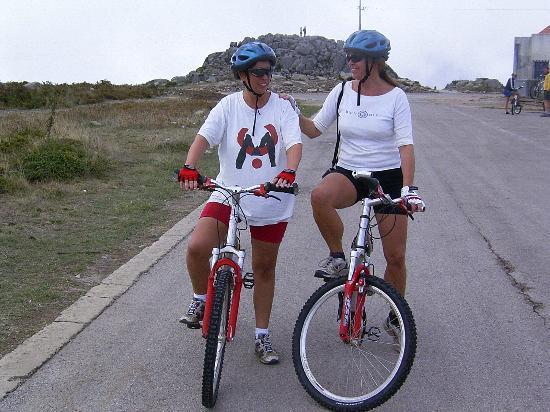 Outdoor-Tours.com: downhill biken vanaf de foia