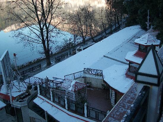 Snowfall Picture Of Alka The Lake Side Hotel Nainital Tripadvisor