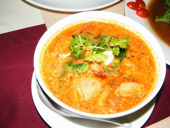 Uncle Rang Restaurant: Tom Yam Kung Wow!!