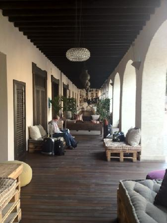 Plaza Vieja Hotel and Lounge: entrance