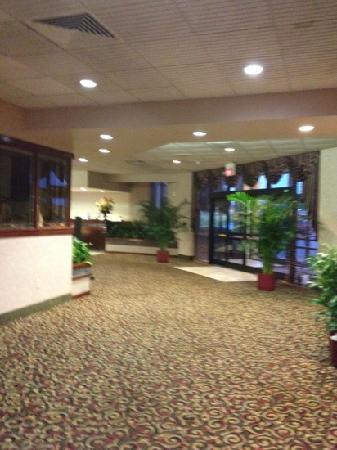 Red Roof Inn Burlington: lobby
