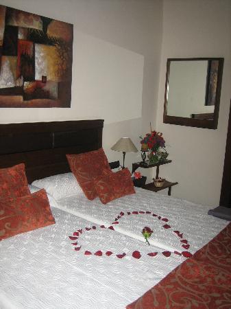 Hotel Rural Casa los Herrera: Our Anniversary Bedroom