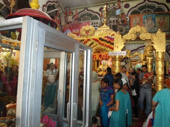 Mandir Mata Lal Devi: Inside view
