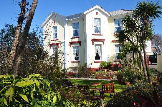 Abbeyfield Hotel: Exterior