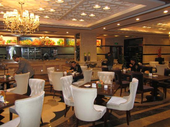Taiji Hotel: buffet room