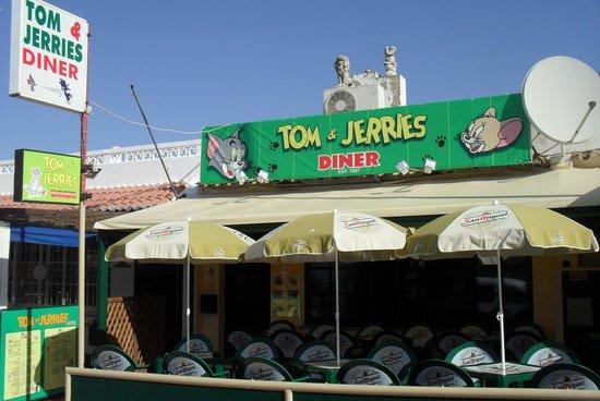Tom & Jerries
