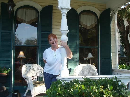 Coppersmith Inn Bed & Breakfast: Front Porch