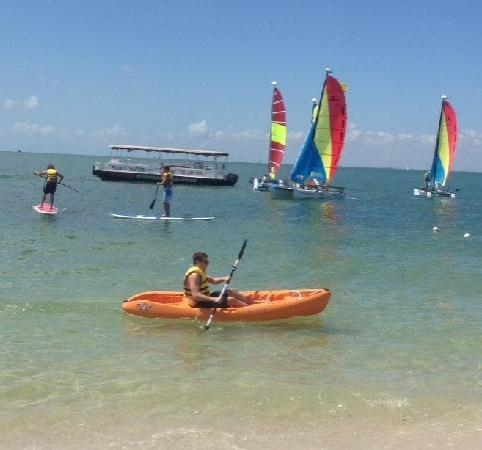 Miami Catamarans: Enjoy our facility aboard the Adventure Prize!
