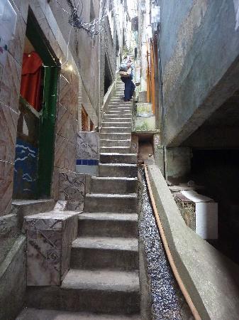 Isabell Erdmann - Favela Cantagalo Tour: stairs