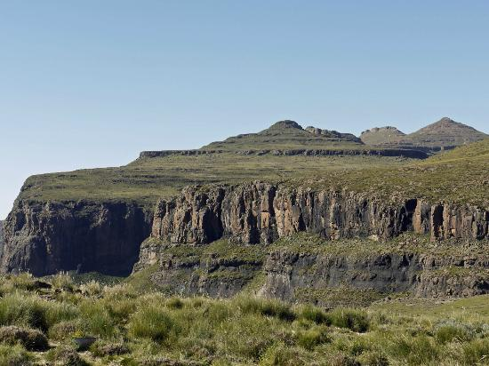 Sani Mountain Lodge: The view across Sani Pass from our room