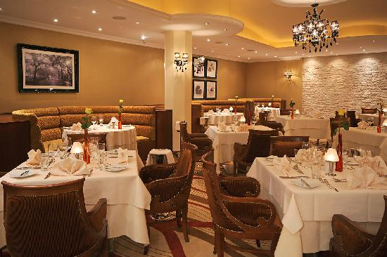 Alexander The Great Beach Hotel: Garibaldi Italian Restaurant