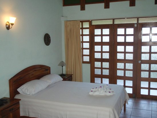 Villa Acacia: Simple, clean, spacious.
