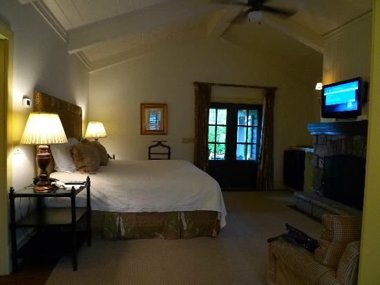 Old Edwards Inn and Spa: Inside the cottage