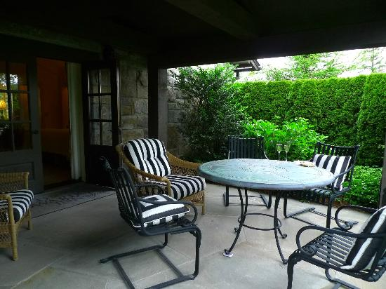 Old Edwards Inn and Spa: Private patio