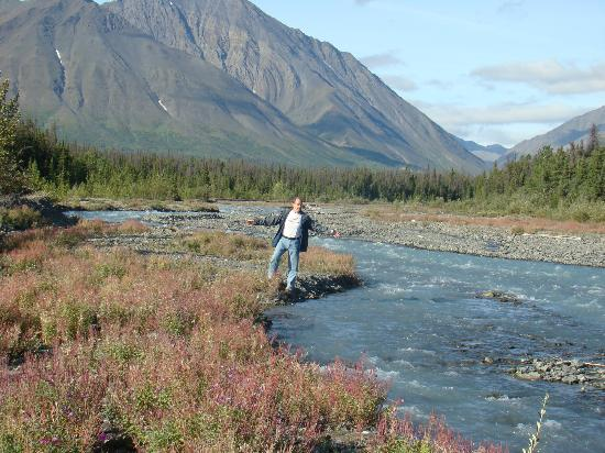 Haines Junction, Canada: Kevin & stream, Kluane National Park, Yukon, CANADA