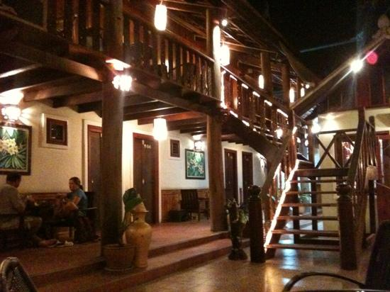 MyLaoHome Boutique Hotel : by night
