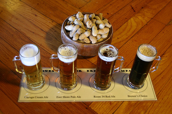 Rogues Harbor Inn and Restaurant: Our Beer and Wine Flights