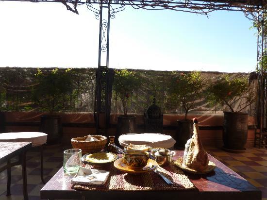 Dar Rmane: pdj sur terrasse