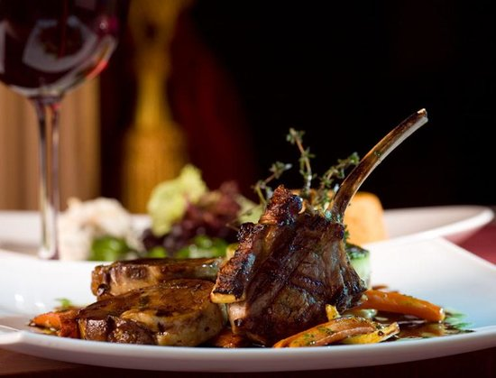 Rogue's Harbor Steak & Ale Incorporated : Our Rosemary Roasted Rack of Lamb