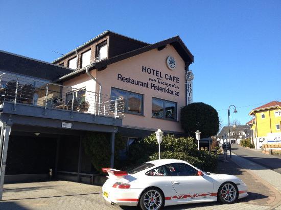 Hotel am Tiergarten: hotel car park
