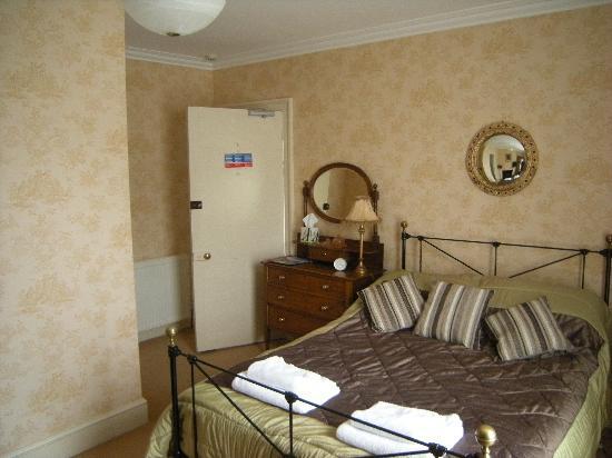 St. Vincent House: Guest Bedroom
