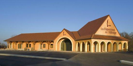 Les Vignerons de Mancey: le bâtiment visible à l'entrée Nord de Tournus