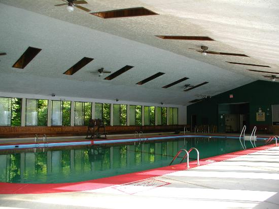 Mountain Pines Campground: Indoor pool