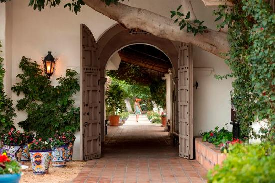 La Quinta Resort & Club, A Waldorf Astoria Resort: Archway