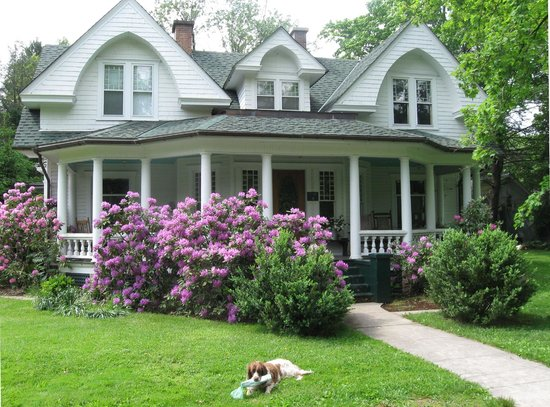 The County Seat B&B: Near the New River Gorge in Charming Fayetteville, WV