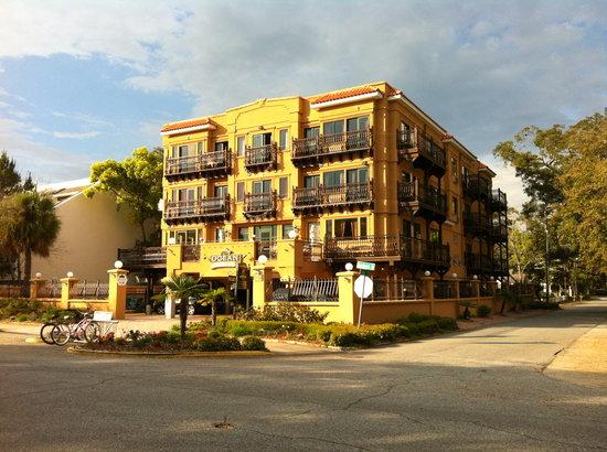 Ocean Inn and Suites : Hotel exterior