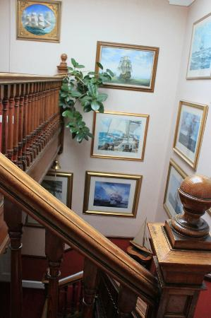 Craigelachie Hotel: Great arts on the wall.