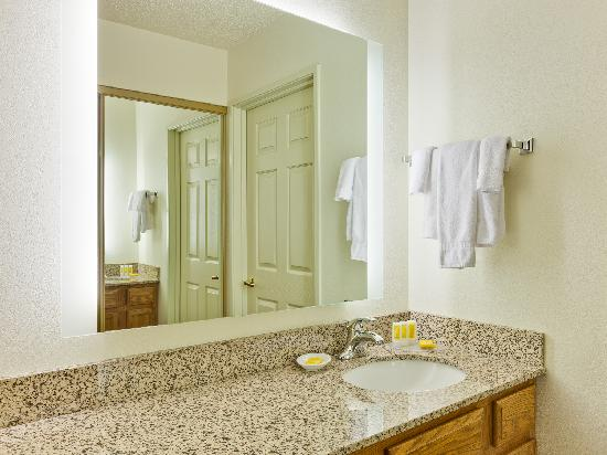 Residence Inn Merrillville: Bathroom