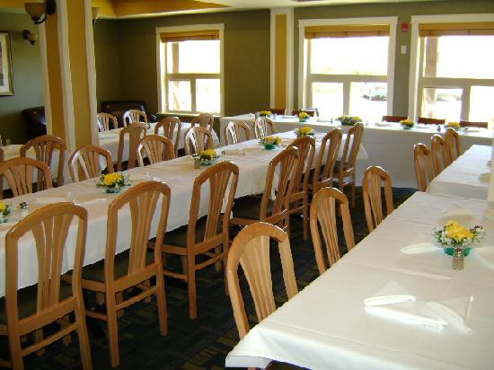 Holiday Inn Express Hotel & Suites Courtenay Comox Valley SW: Our Great Room all dressed up for 45 guests