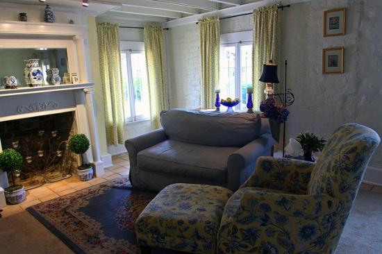 Zeigler House Inn: Lafayette Room