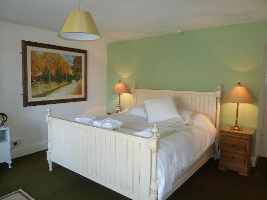 Waternook Lakeside Accommodation: Delux room