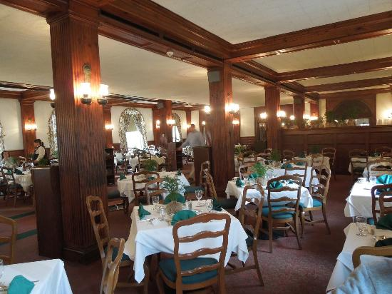Main Dining Room - Picture of Windsor Dining Room at Skytop Lodge ...