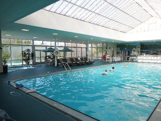 Indoor pool - Picture of Skytop Lodge - TripAdvisor on bedford springs resort map, pa map, bear peak trail map, snowshoe trail map, shawnee village resort map,